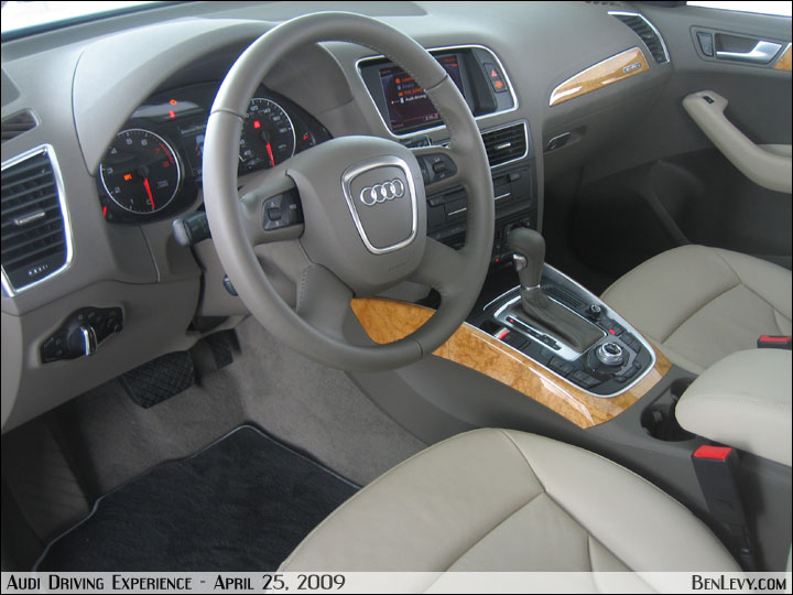 Audi Q5 Interior 2009. Audi Q5 interior