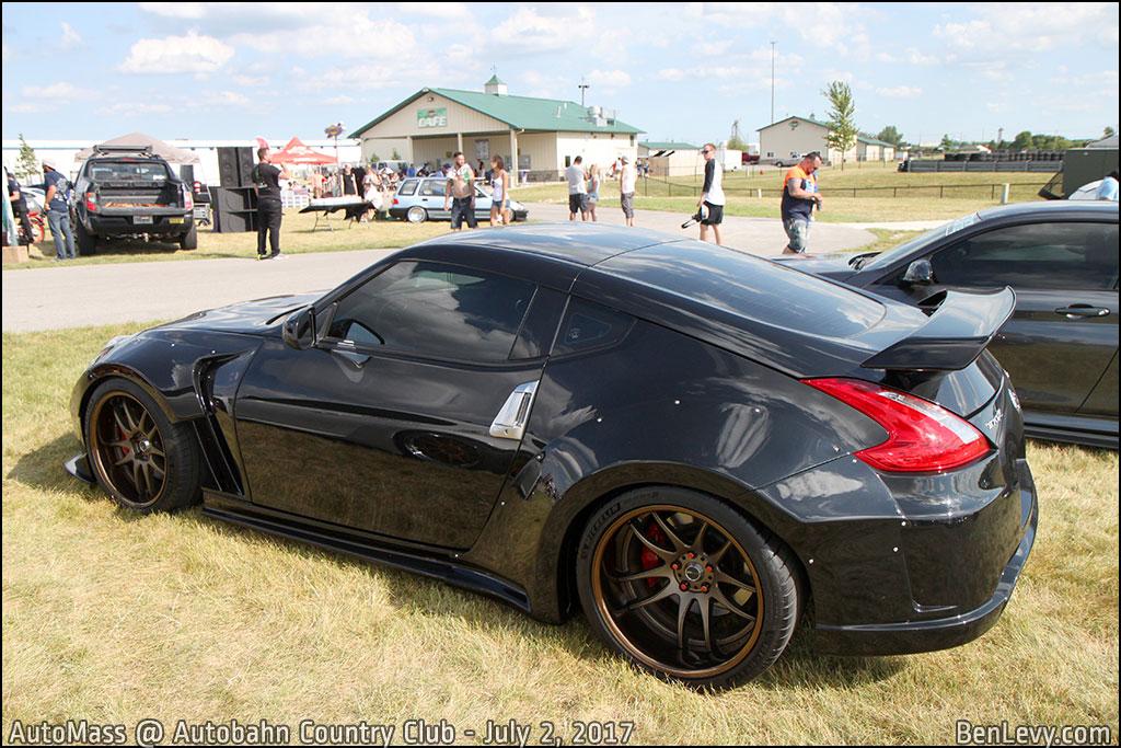 Black Nissan 370Z