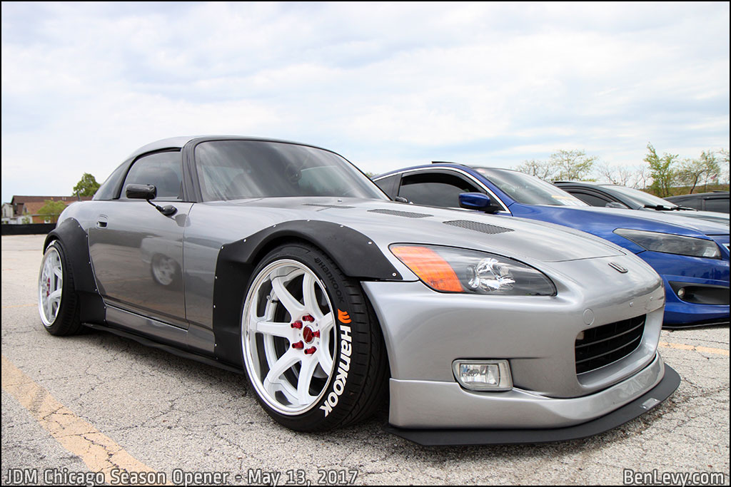 Honda S2000 with fender flares