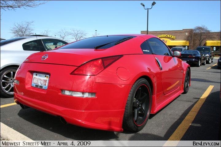 Hyundai >> Red Nissan 350Z - BenLevy.com