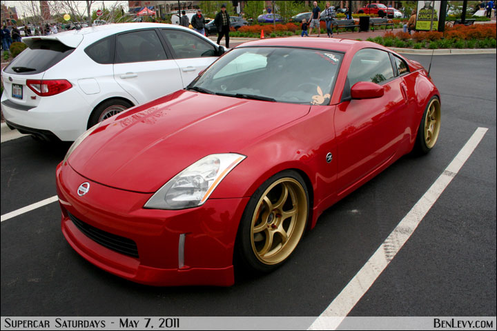 Red Nissan 350z With Gold Flakes Benlevy Com