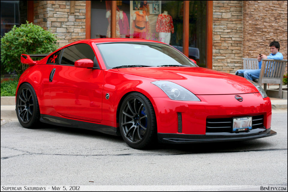 Red Nissan 350Z - BenLevy.com