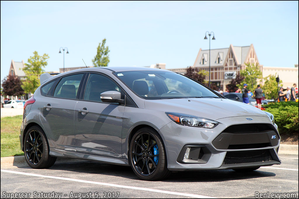 Ford Focus RS in Stealth Gray