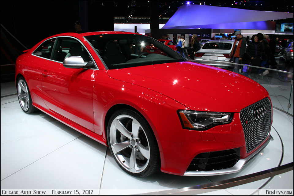 Red Audi RS5