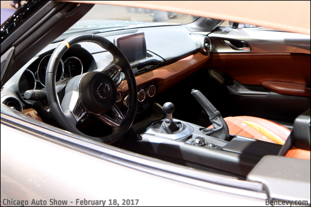 Interior of the Mazda MX-5 Spyder