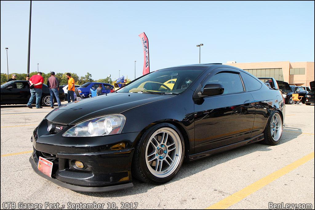 Black Acura RSX- Type-S