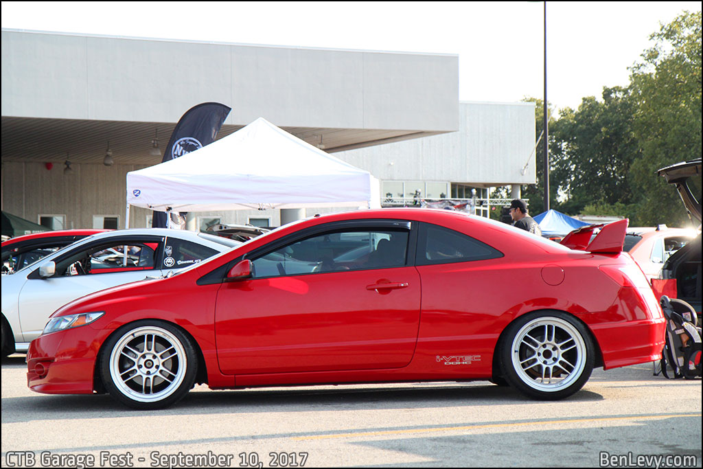 Red Civic Si coupe