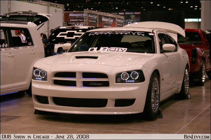 white dodge charger - White Dodge Charger
