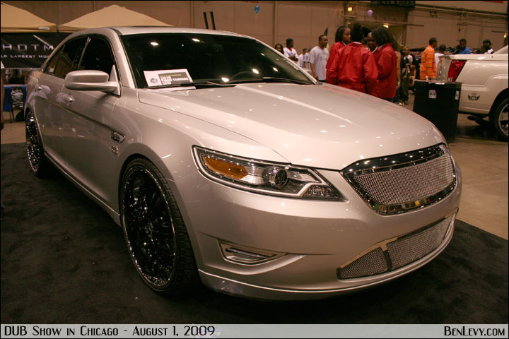 Ford Taurus with custom grill - BenLevy.com