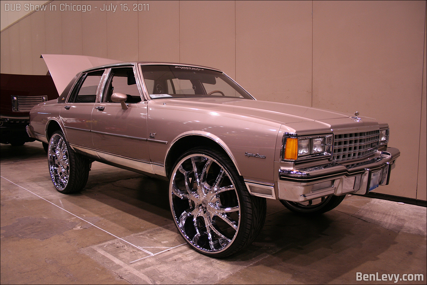 Chevrolet Caprice Classic on 30 inch wheels - BenLevy.com