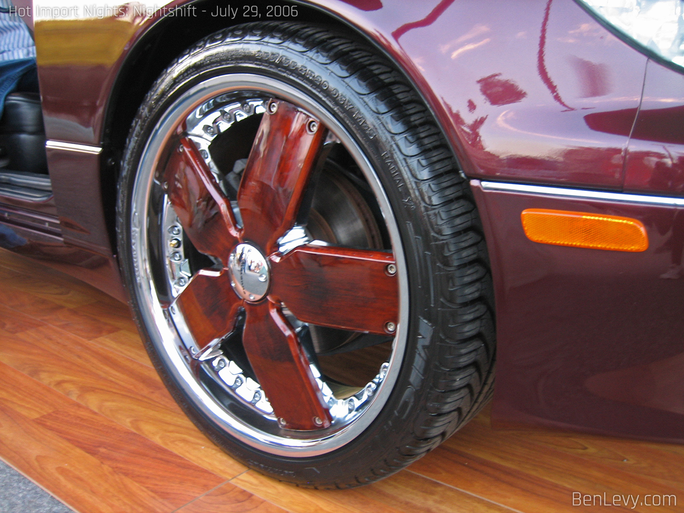 Wood Grain Giovanna Wheels On A Lexus Benlevy Com