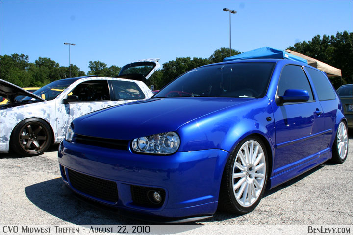 R32 With Projector Headlights And Boser Hood Benlevy Com