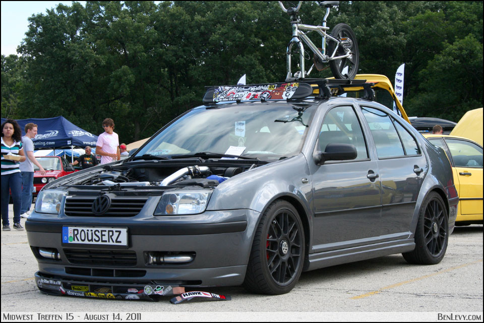 Grey MkIV Jetta With Roofrack